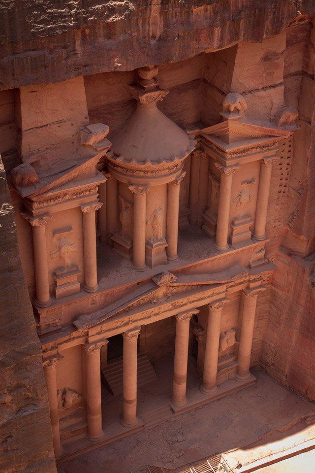 El Tesoro de Petra desde arriba.
